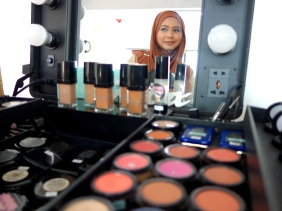 Shopkeeper Stories with Nazlin Hilal the founder of Doll Me Up Cosmetics and Boneca cosmetics make-up in Singapore small business