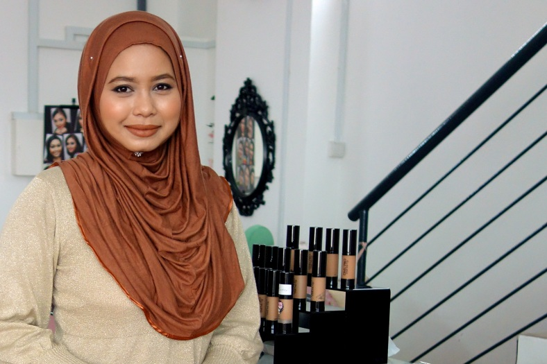 Shopkeeper Stories Doll Me Up Nazlin Hilal cosmetics fashion make-up small business enterprise in Singapore